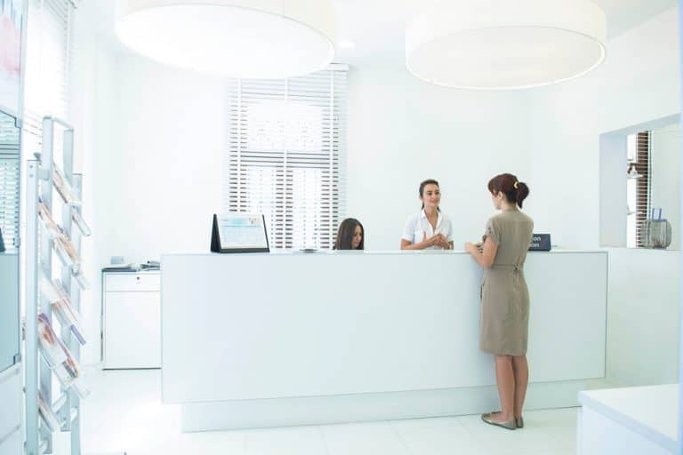 monep-dermatolog-etiler-768x512